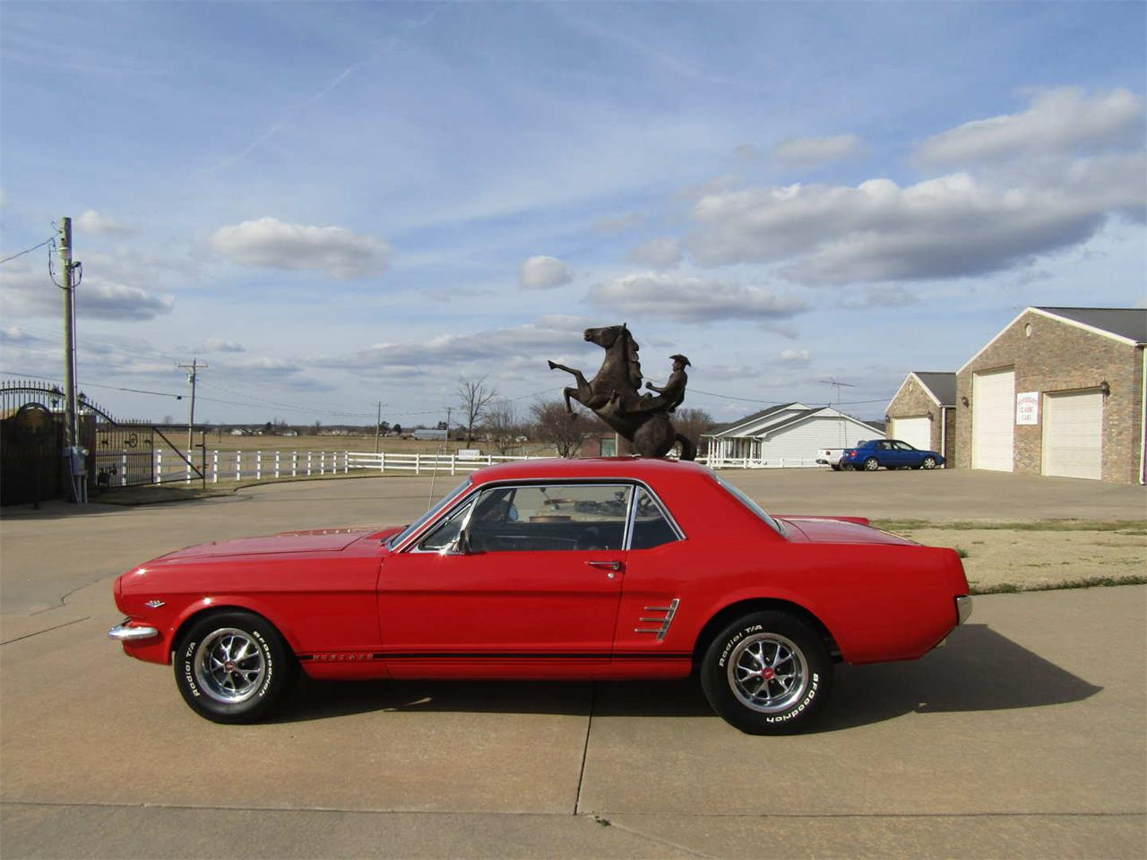 Large Picture of Classic '66 Ford Mustang Auction Vehicle - QY8O