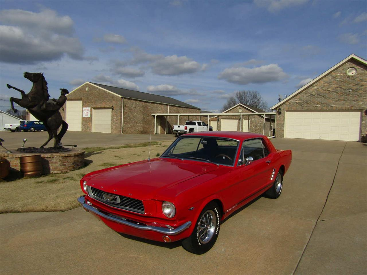 Large Picture of Classic '66 Mustang Offered by Vicari Auction - QY8O