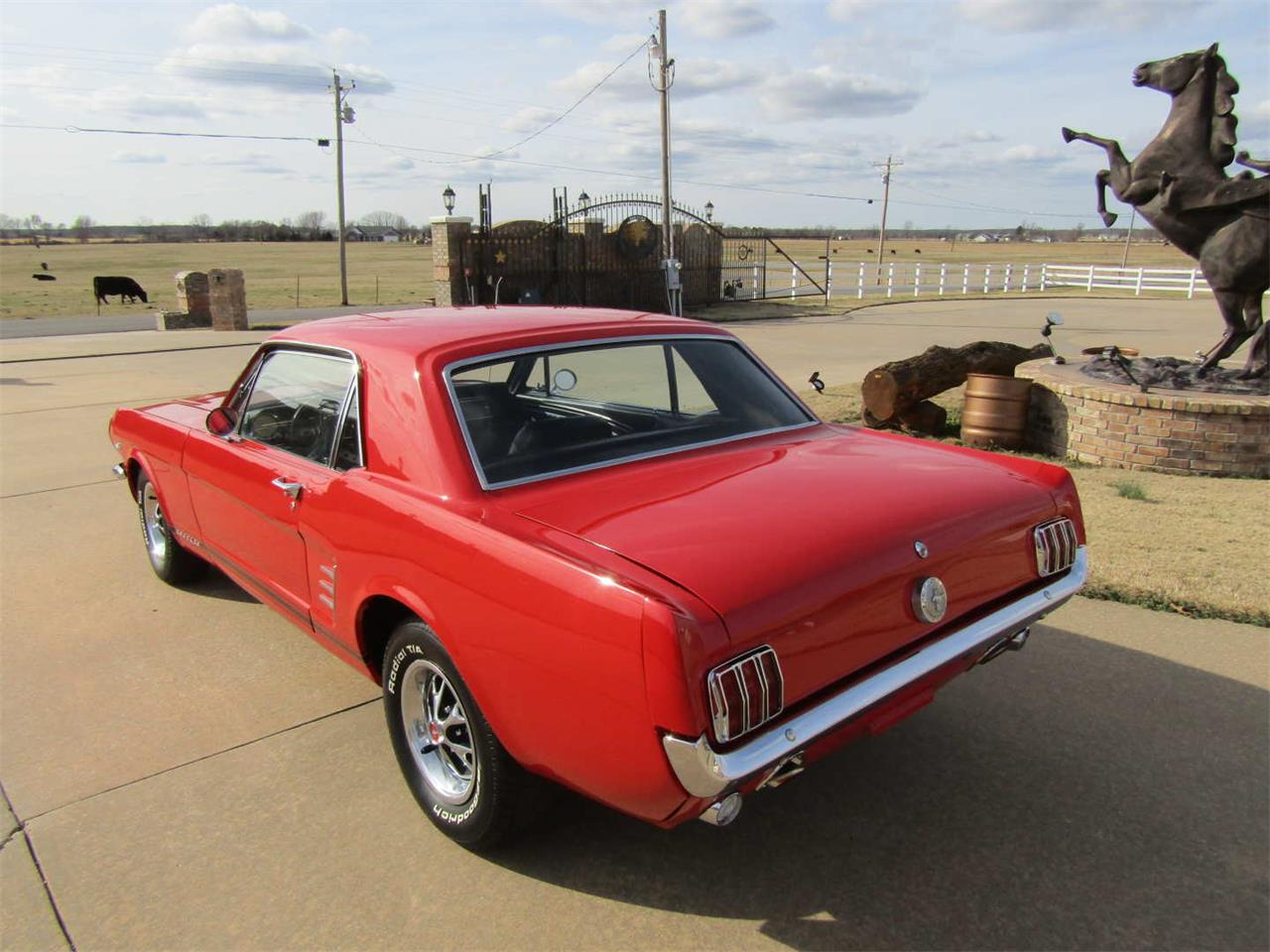 Large Picture of Classic 1966 Ford Mustang Auction Vehicle Offered by Vicari Auction - QY8O