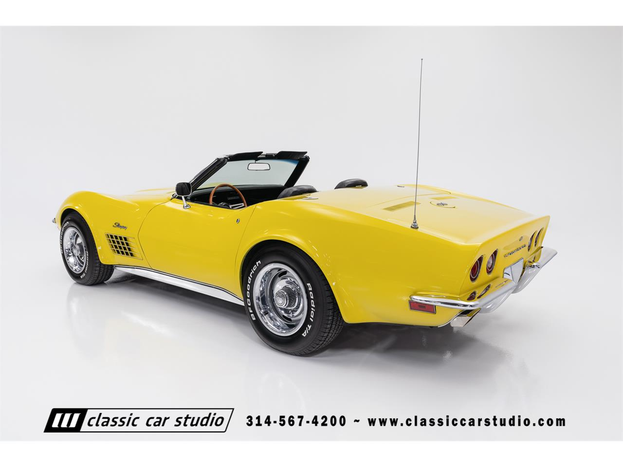 Large Picture of '72 Corvette located in Missouri Offered by Classic Car Studio - QYC5