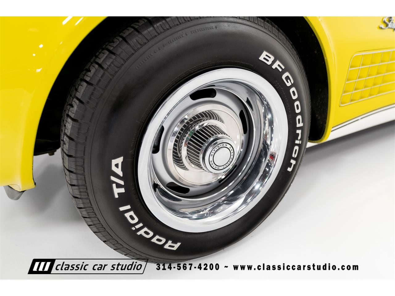 Large Picture of Classic 1972 Chevrolet Corvette - $37,900.00 Offered by Classic Car Studio - QYC5