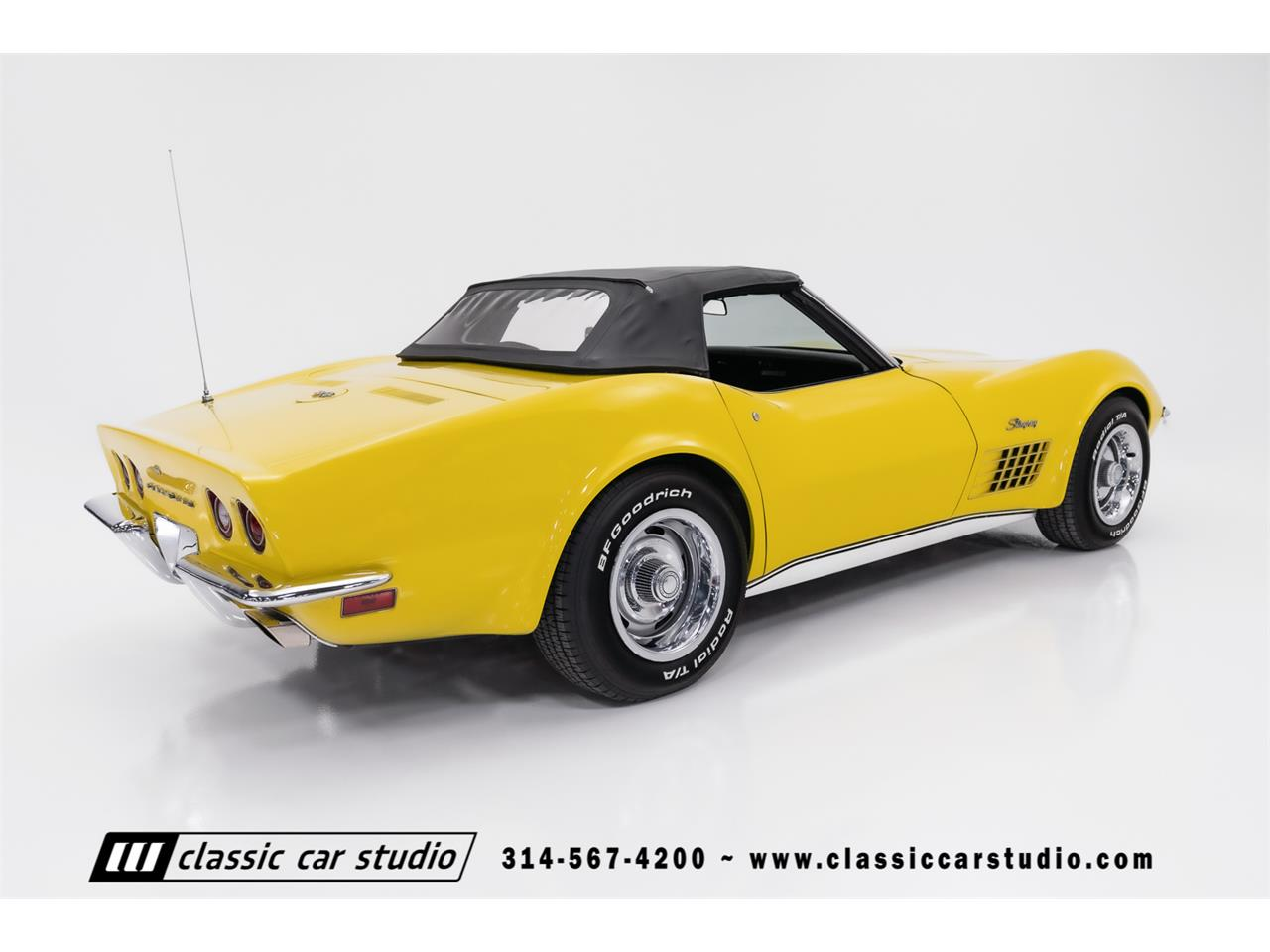Large Picture of '72 Corvette Offered by Classic Car Studio - QYC5