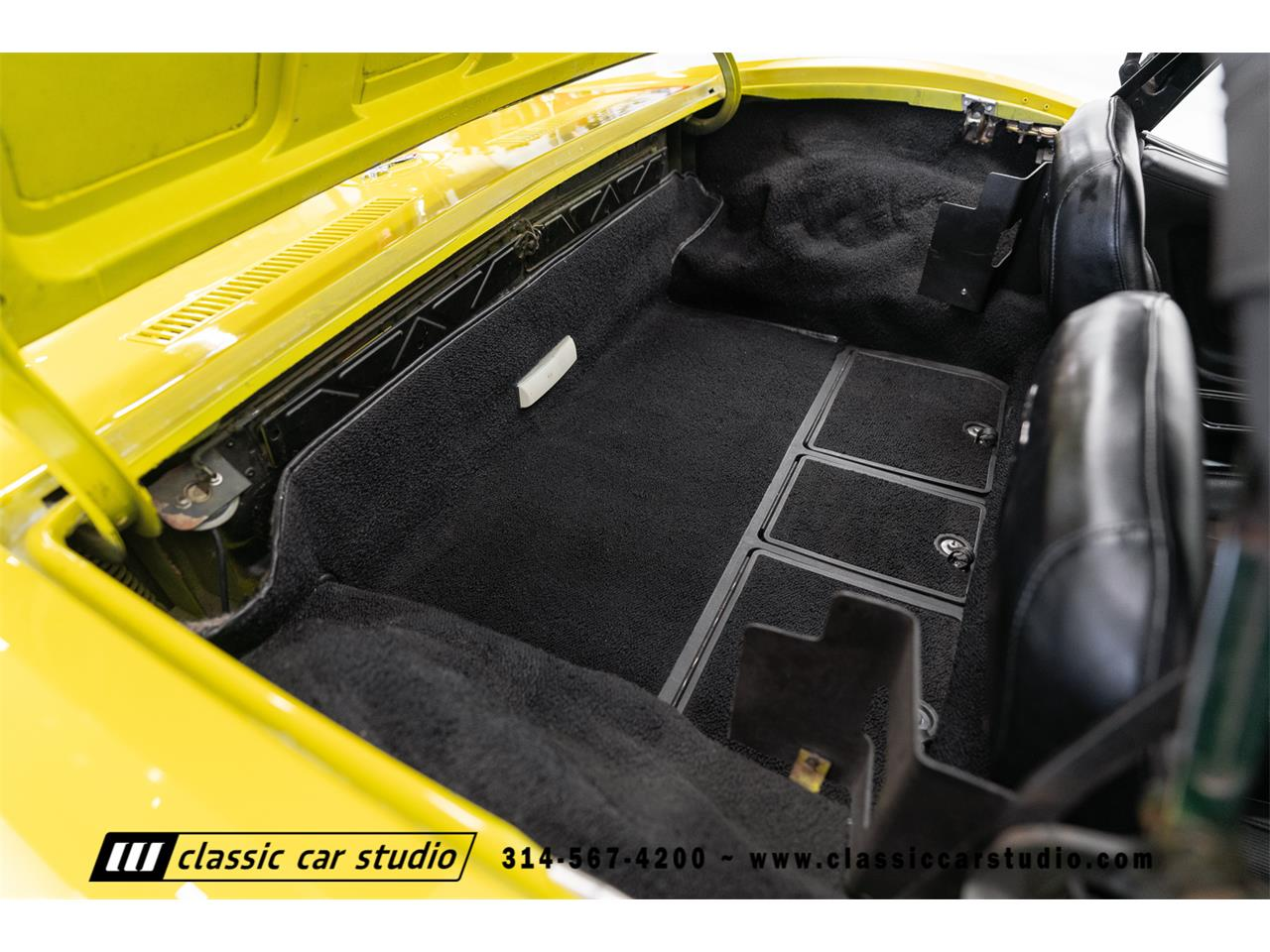 Large Picture of 1972 Chevrolet Corvette located in Missouri Offered by Classic Car Studio - QYC5