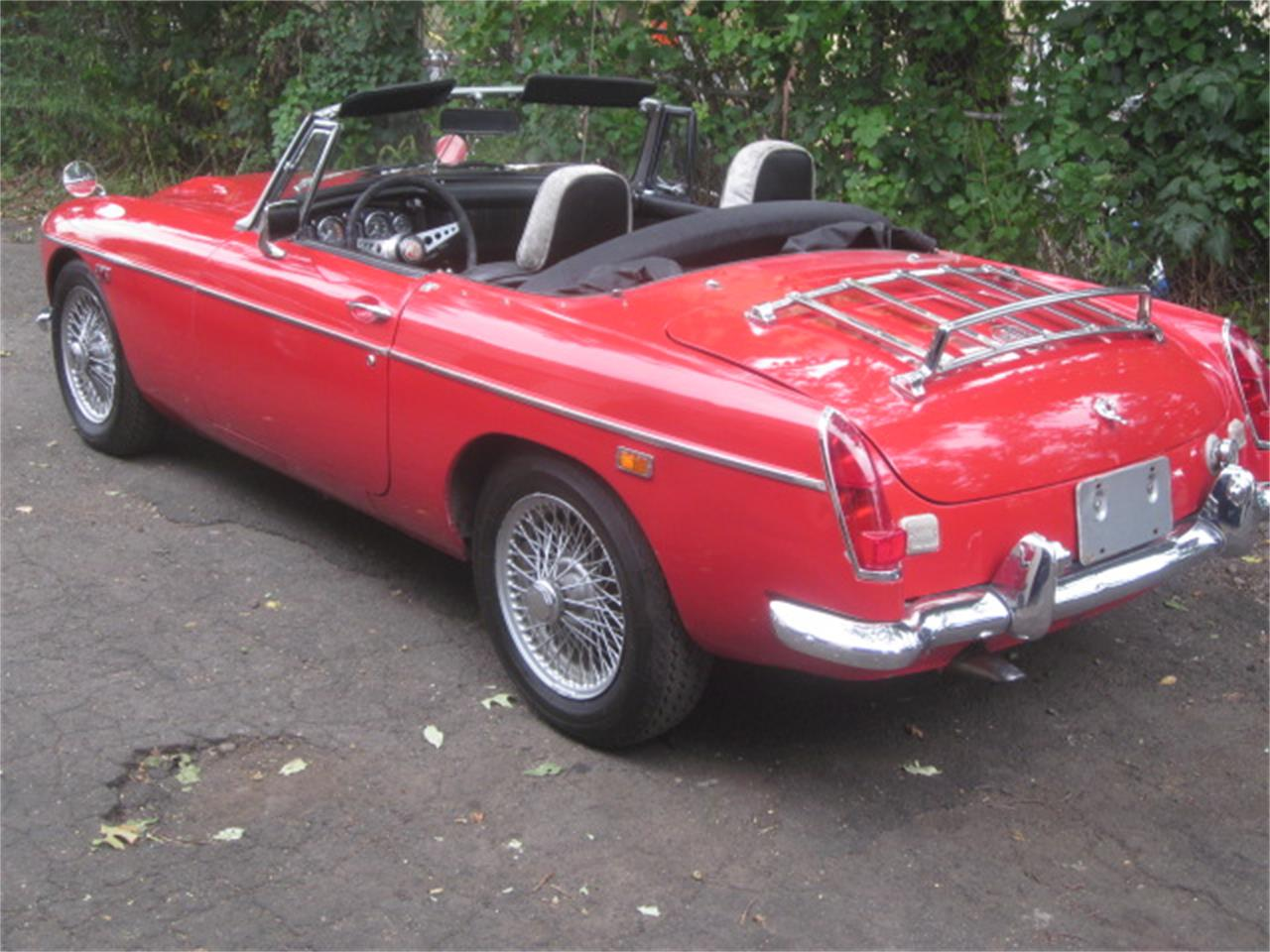 Large Picture of '68 MGC - QYEU