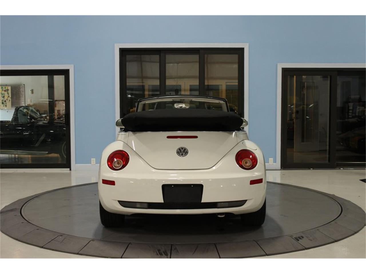 Large Picture of '07 Volkswagen Beetle located in Florida Offered by Skyway Classics - QYHO