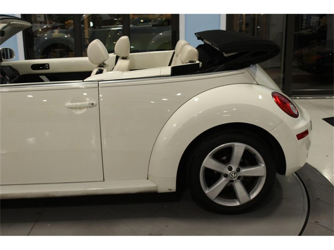 Large Picture of 2007 Volkswagen Beetle Offered by Skyway Classics - QYHO