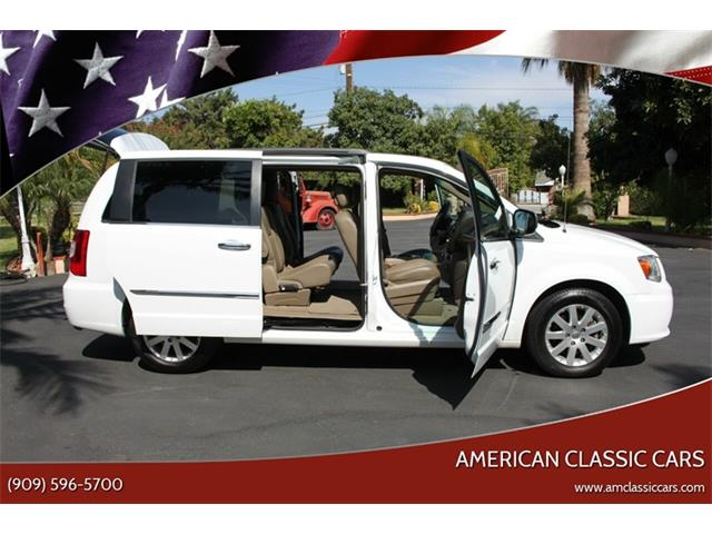Picture of 2014 Chrysler Town & Country located in California Offered by  - QYIP
