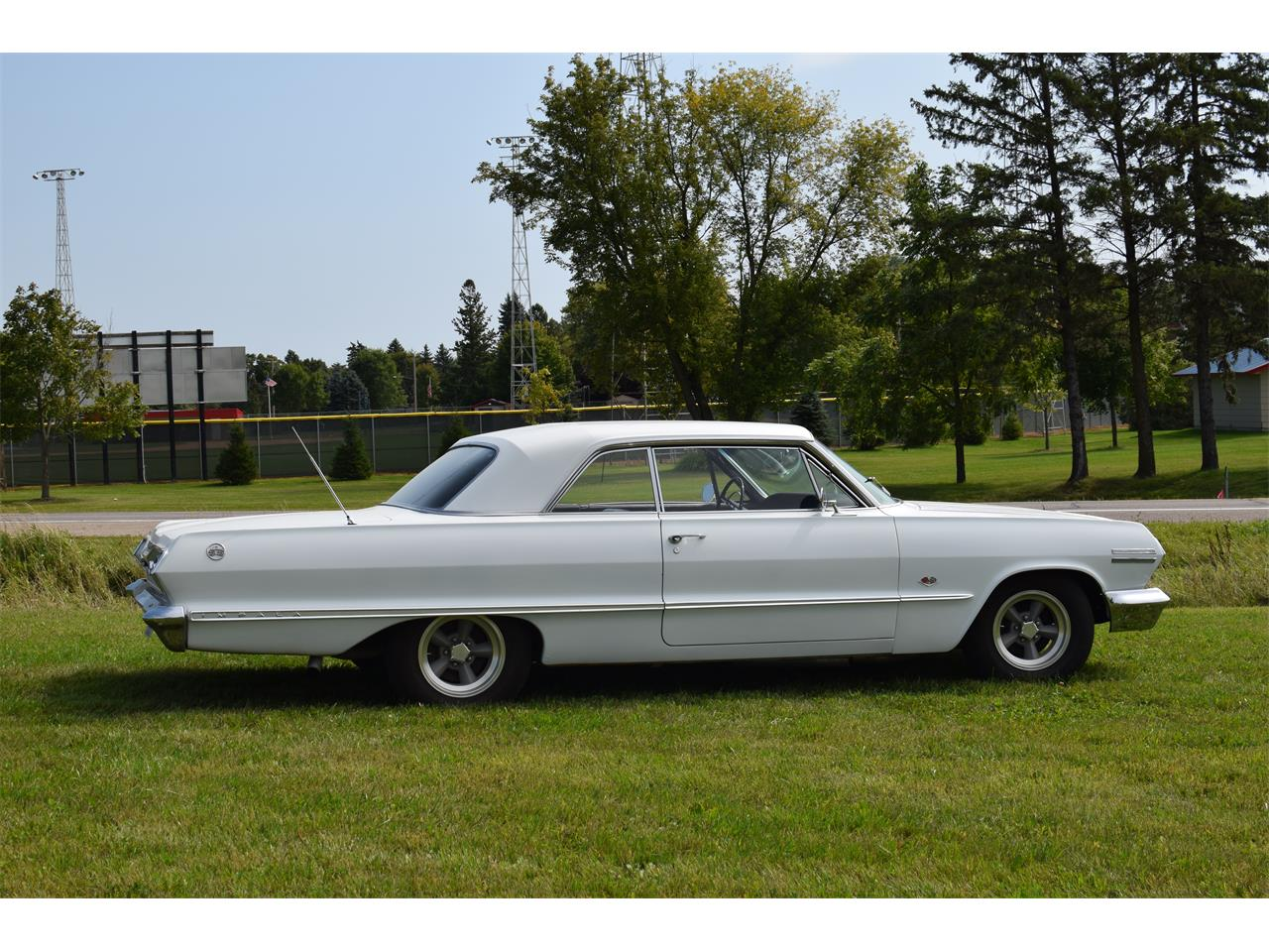 Large Picture of Classic '63 Chevrolet Impala located in Minnesota - QYPI