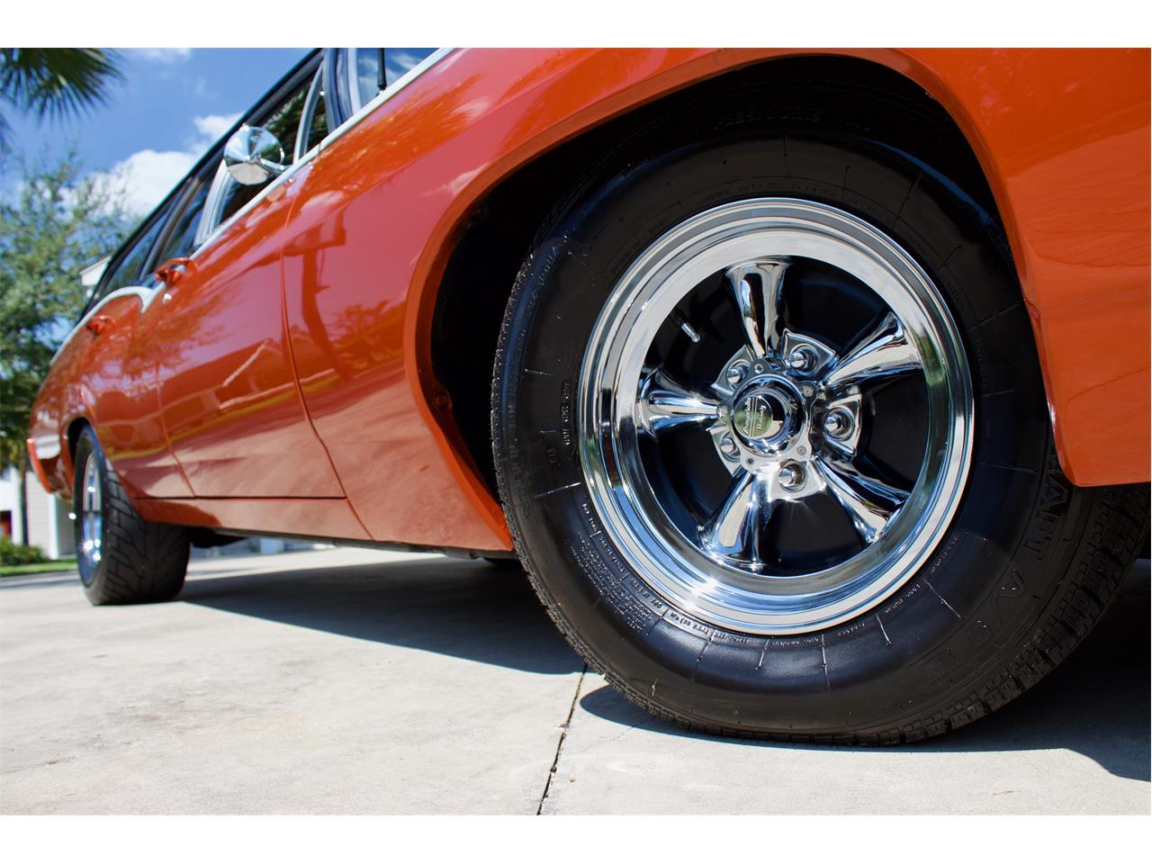 Large Picture of '68 Chevrolet Impala SS427 - QYQC