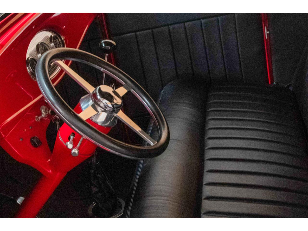 Large Picture of Classic 1932 Ford Roadster located in Las Vegas Nevada Auction Vehicle Offered by Barrett-Jackson - QYTP