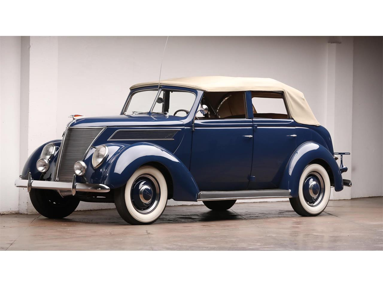 Large Picture of '37 Deluxe - QYWV