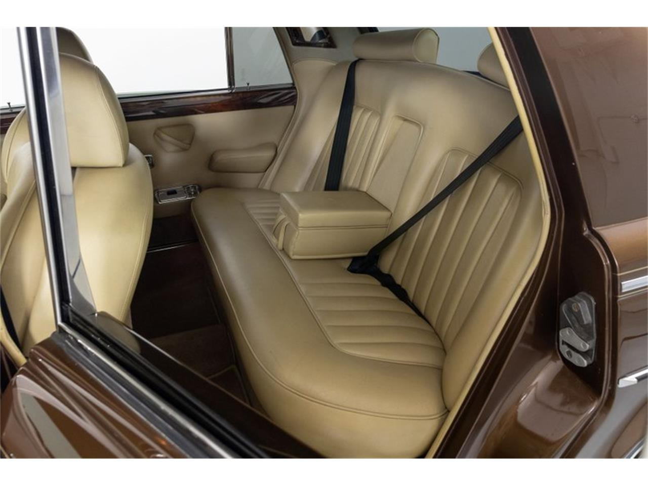 Large Picture of '81 Rolls-Royce Silver Shadow II Offered by Fast Lane Classic Cars Inc. - QZ5G