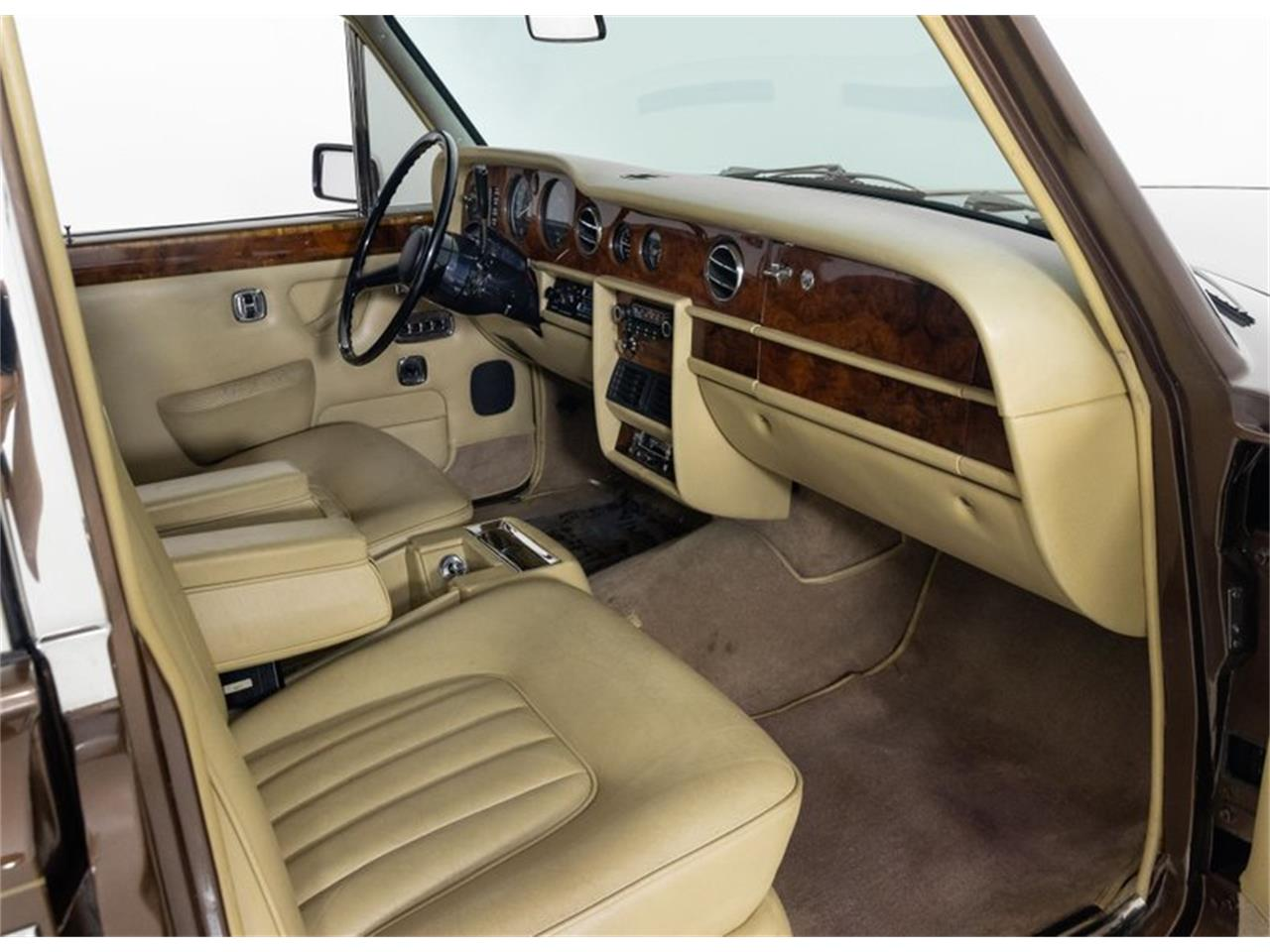 Large Picture of '81 Silver Shadow II located in Missouri Offered by Fast Lane Classic Cars Inc. - QZ5G