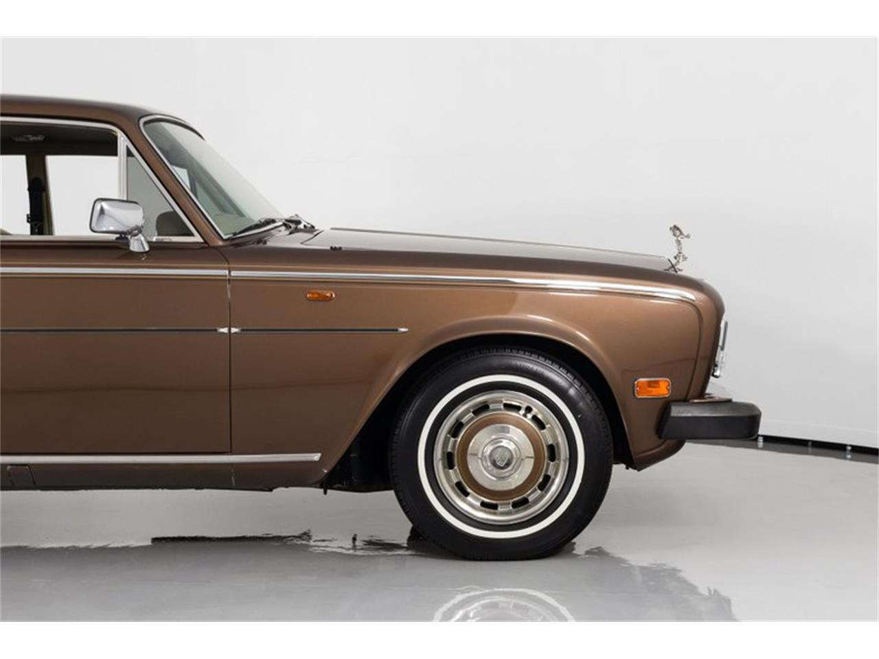 Large Picture of '81 Rolls-Royce Silver Shadow II - $32,995.00 Offered by Fast Lane Classic Cars Inc. - QZ5G