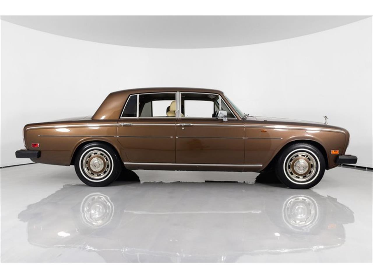 Large Picture of '81 Silver Shadow II located in St. Charles Missouri Offered by Fast Lane Classic Cars Inc. - QZ5G