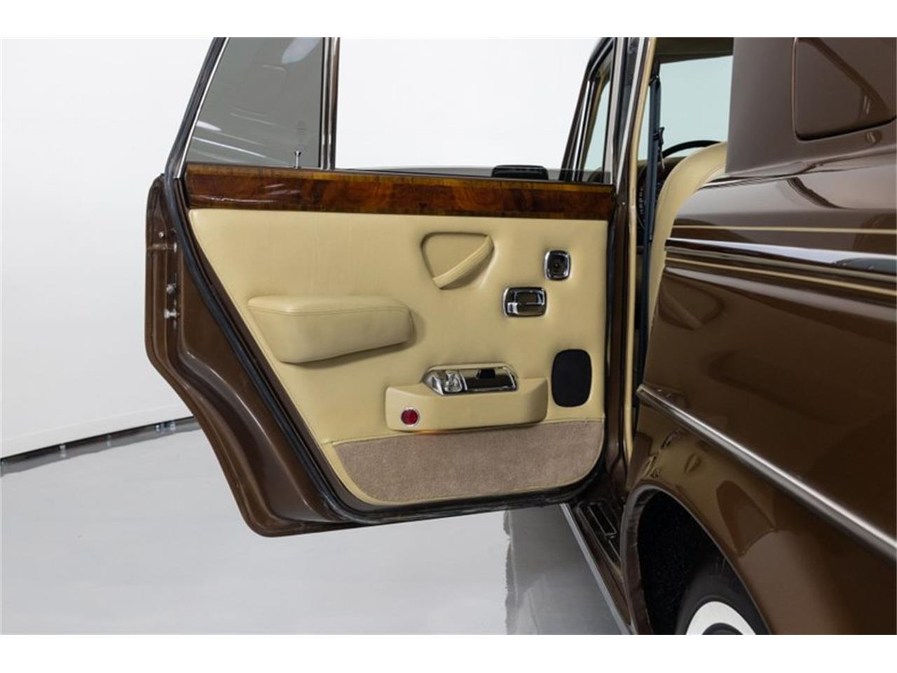 Large Picture of 1981 Rolls-Royce Silver Shadow II located in St. Charles Missouri - $32,995.00 Offered by Fast Lane Classic Cars Inc. - QZ5G