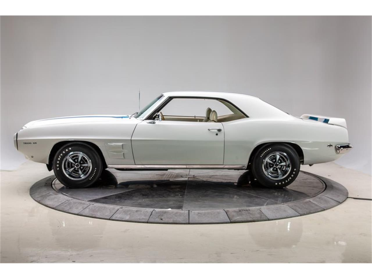 Large Picture of Classic '69 Pontiac Firebird Trans Am - $99,950.00 - QZ74