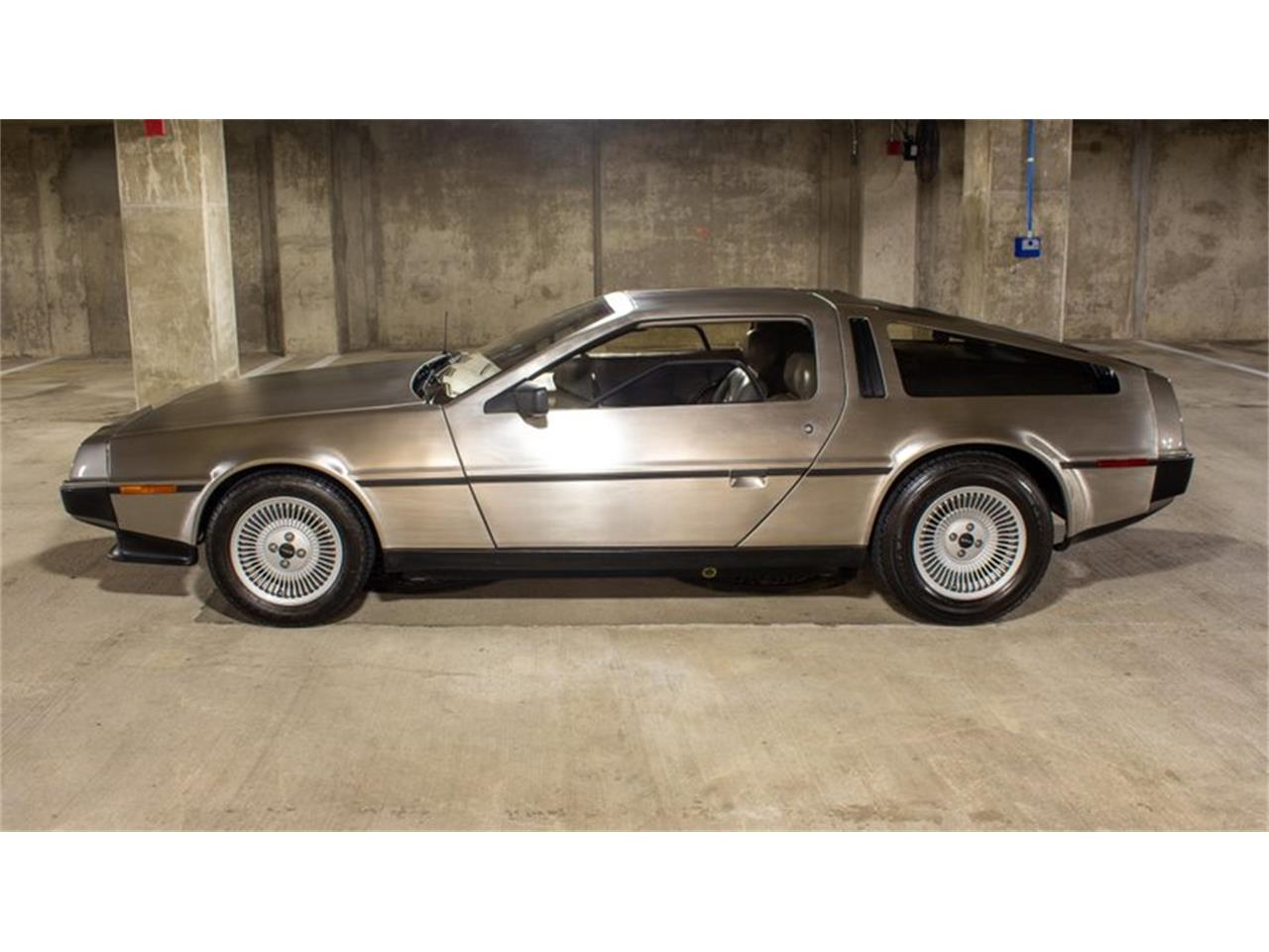Large Picture of 1981 DMC-12 Offered by Flemings Ultimate Garage - QZ9U