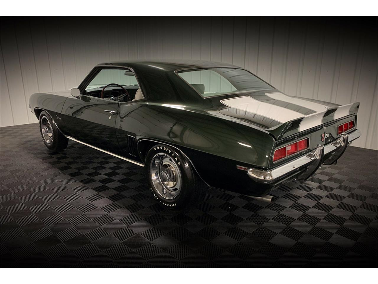 Large Picture of '69 Camaro Z28 - QZLU