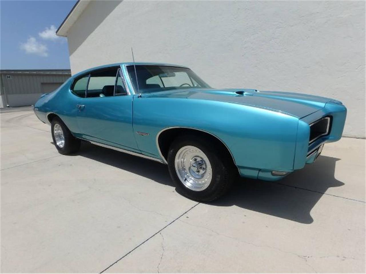 Large Picture of 1968 Pontiac GTO - QZRL