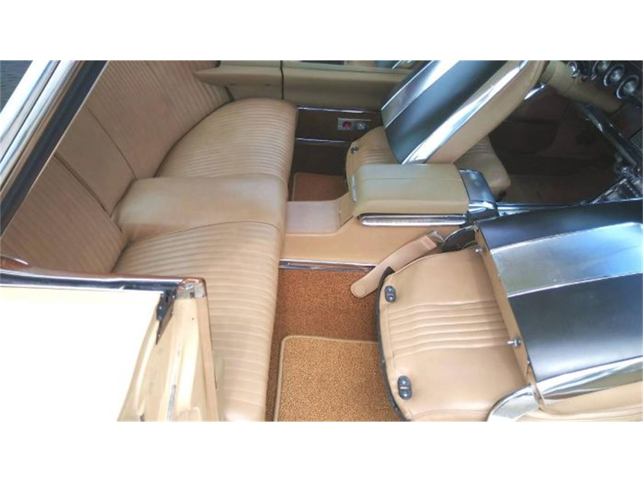 Large Picture of Classic 1964 Thunderbird located in Cadillac Michigan - $22,495.00 Offered by Classic Car Deals - QZZ4