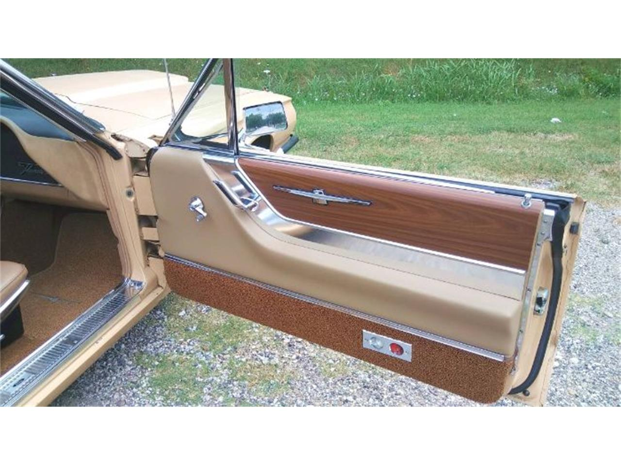 Large Picture of Classic '64 Ford Thunderbird located in Cadillac Michigan - $22,495.00 - QZZ4