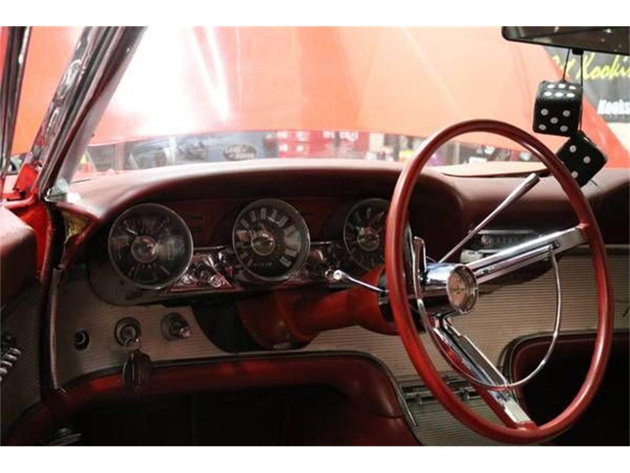 Large Picture of '62 Thunderbird - R07O
