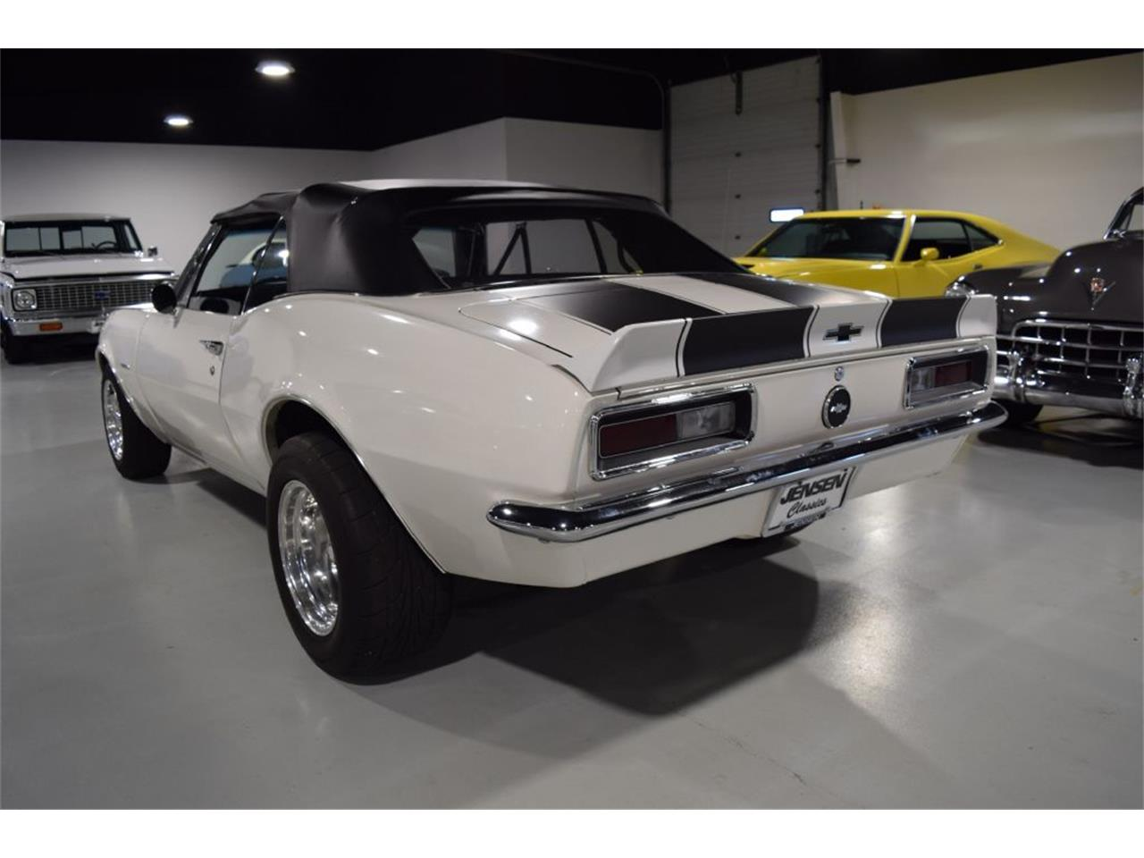 Large Picture of '67 Camaro - R122