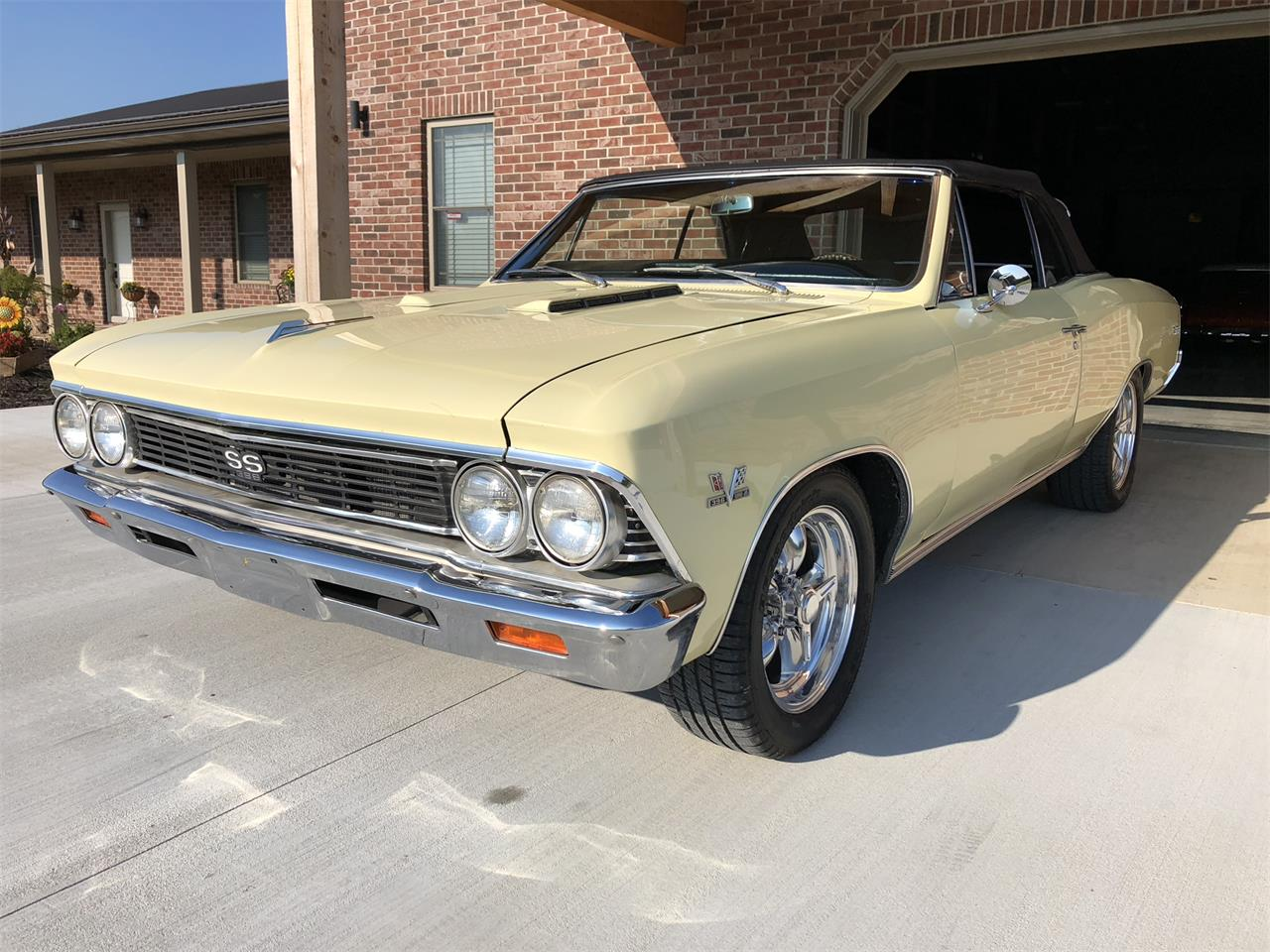 Large Picture of '66 Chevelle - R13J