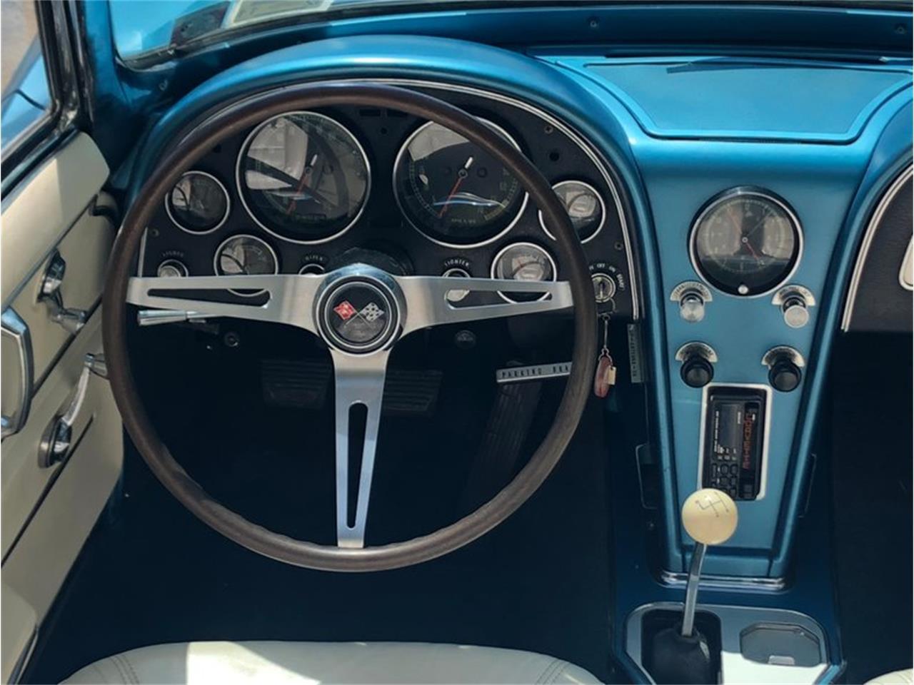 Large Picture of '65 Corvette - R186