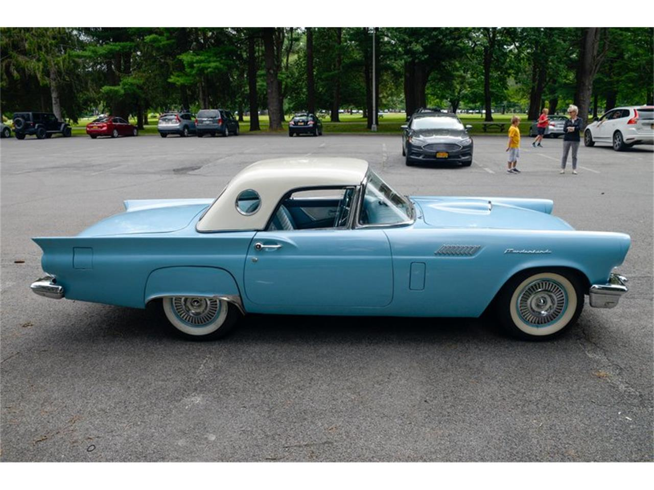 Large Picture of '57 Thunderbird - R1A1