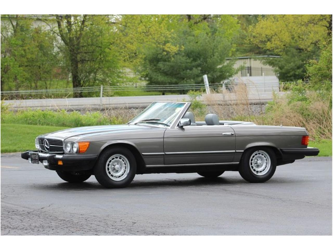 Large Picture of 1983 380SL located in New York Auction Vehicle Offered by Saratoga Auto Auction - R1AI