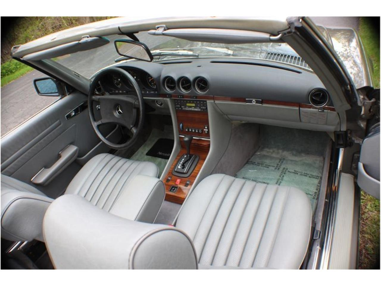 Large Picture of 1983 380SL Auction Vehicle Offered by Saratoga Auto Auction - R1AI