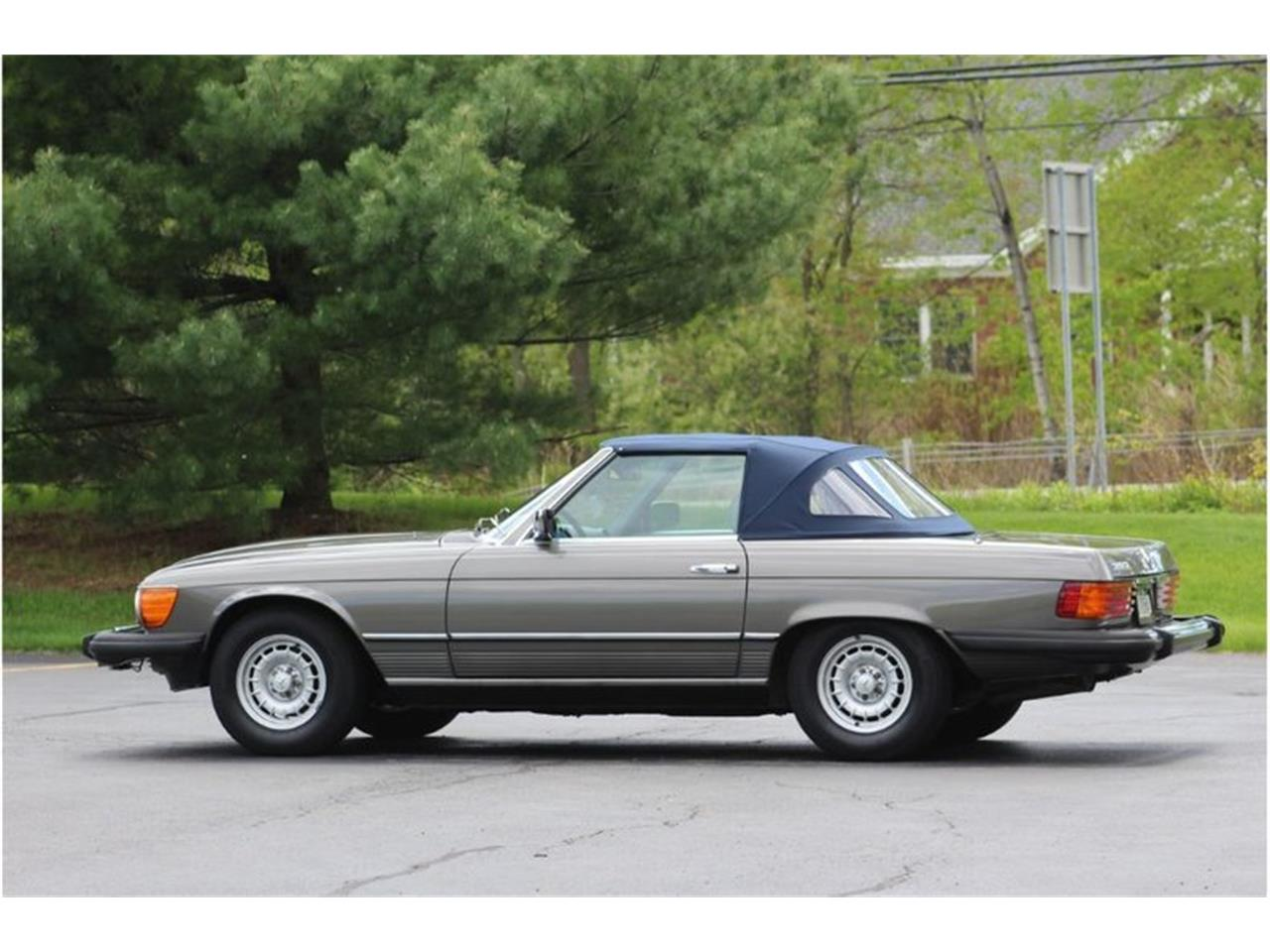 Large Picture of '83 Mercedes-Benz 380SL Auction Vehicle Offered by Saratoga Auto Auction - R1AI