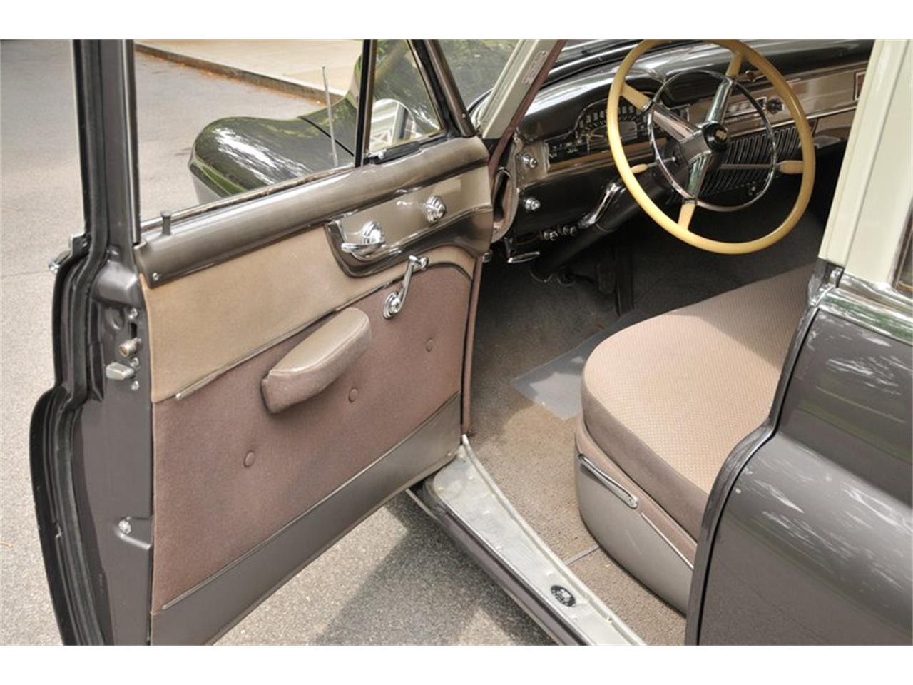 Large Picture of Classic '50 Series 61 located in New York Auction Vehicle - R1B2