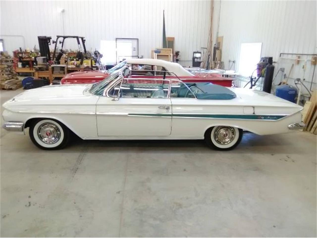 Large Picture of '61 Impala - R0BY