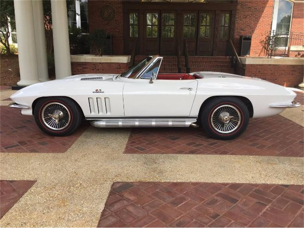 Large Picture of '66 Corvette - R1BV