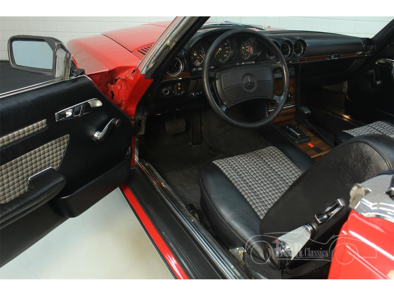 Large Picture of '85 Mercedes-Benz 380SL - R1DJ