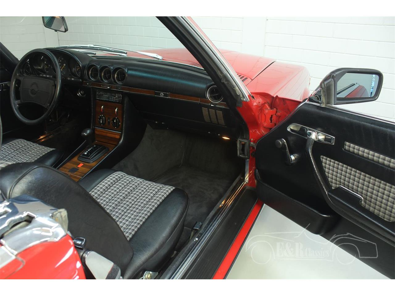 Large Picture of 1985 Mercedes-Benz 380SL located in Noord-Brabant Offered by E & R Classics - R1DJ