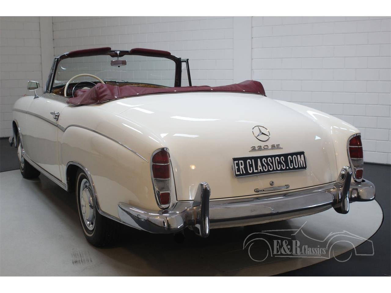 Large Picture of 1960 Mercedes-Benz 220SE located in Waalwijk noord brabant - R1DL