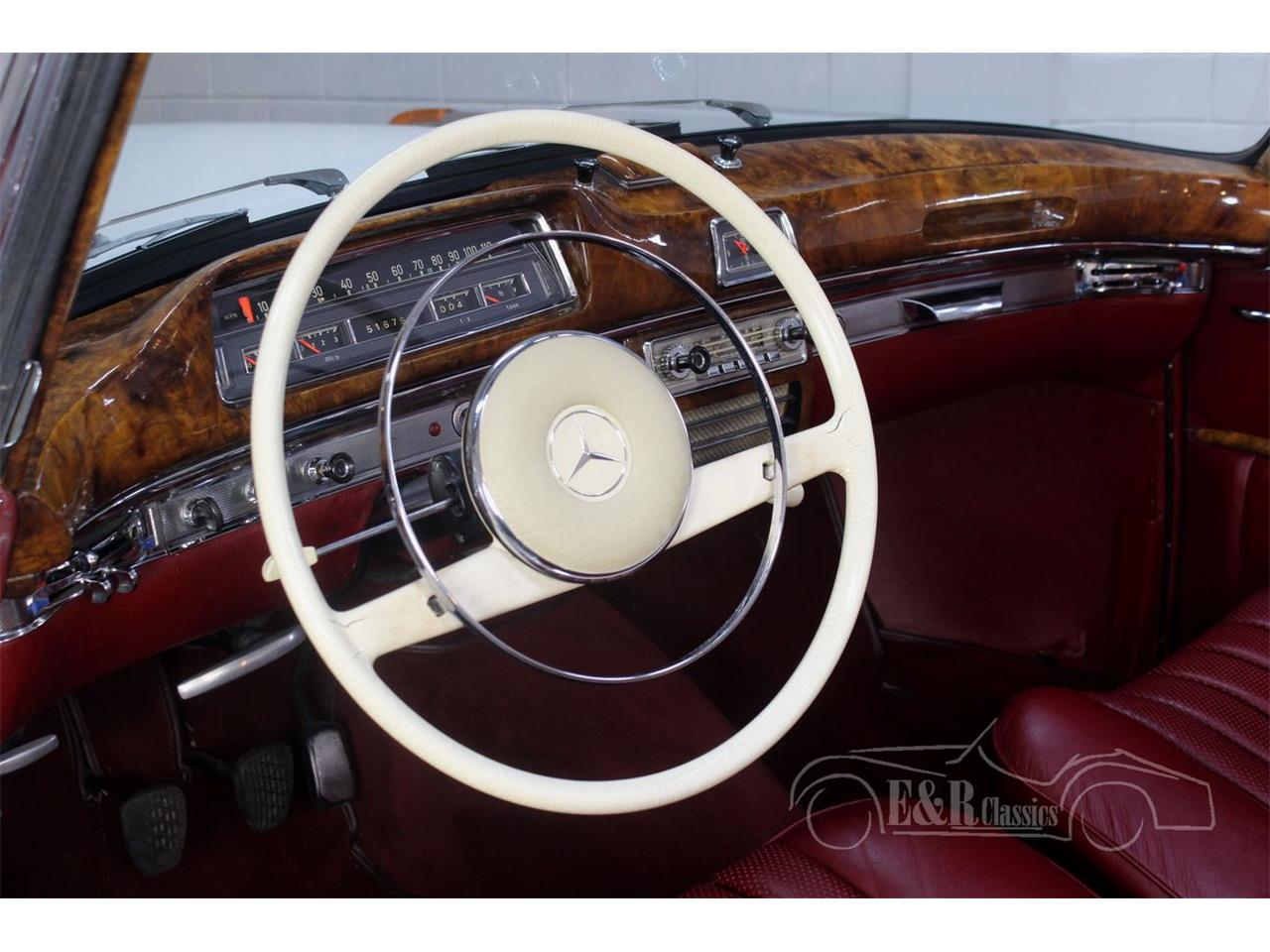 Large Picture of '60 Mercedes-Benz 220SE located in Waalwijk noord brabant - $143,800.00 - R1DL