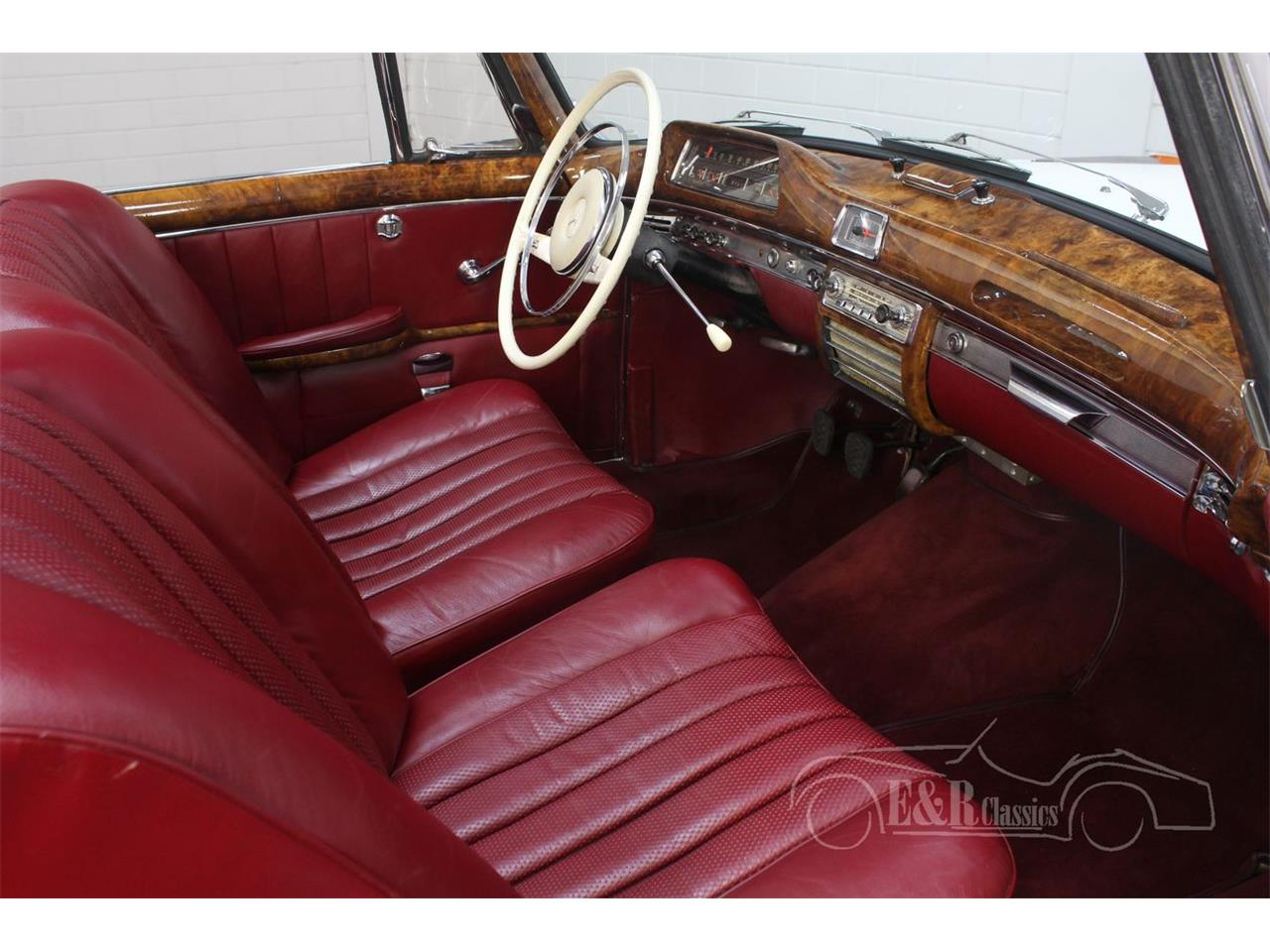 Large Picture of Classic '60 Mercedes-Benz 220SE Offered by E & R Classics - R1DL