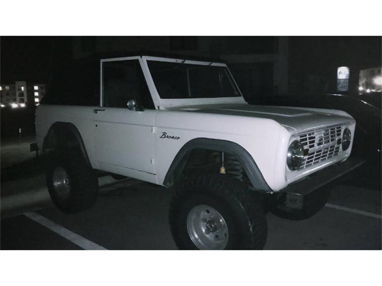 Large Picture of Classic '67 Ford Bronco located in Cadillac Michigan - R0CS