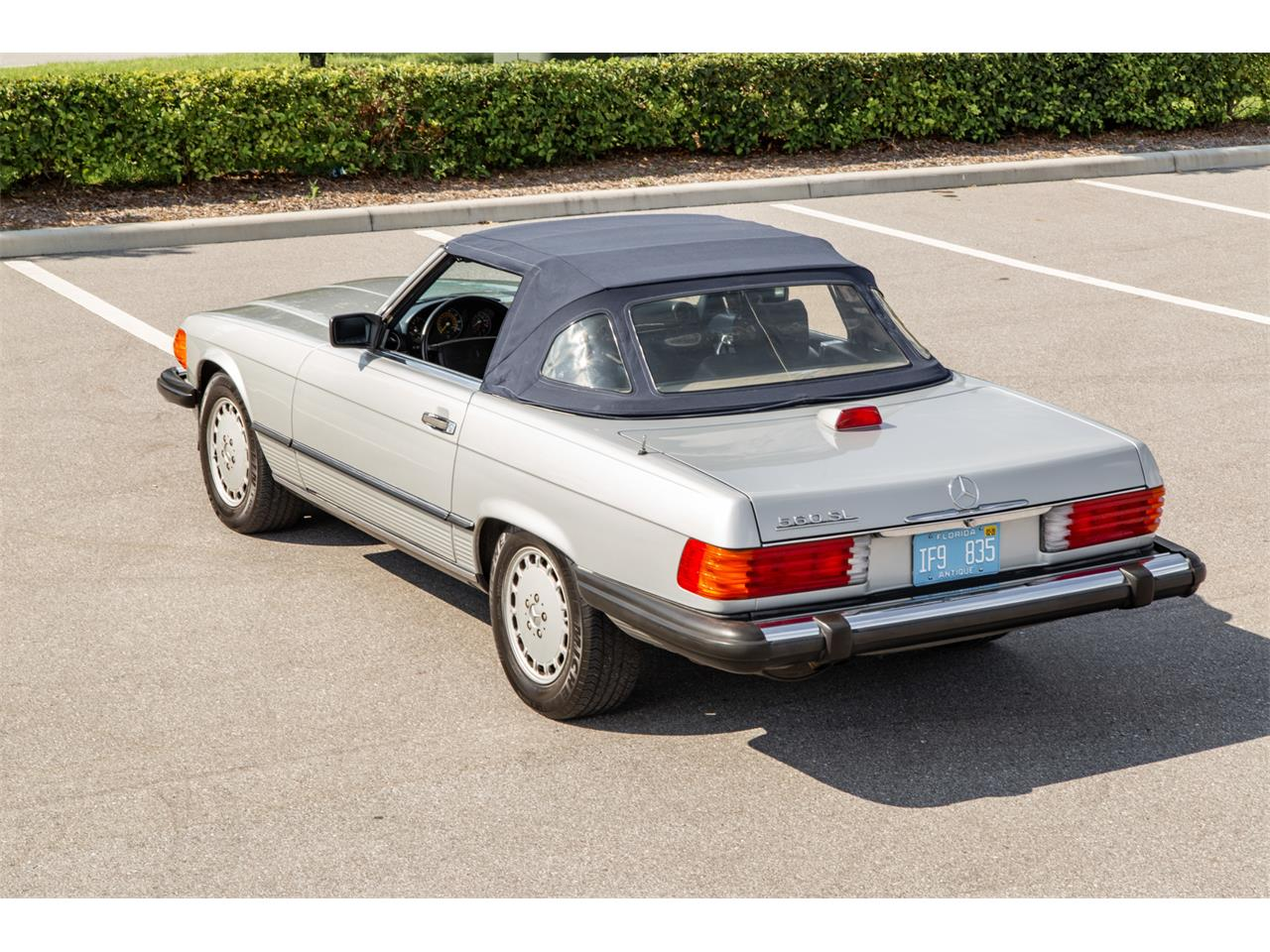 Large Picture of 1987 Mercedes-Benz 560SL located in Orlando Florida Auction Vehicle Offered by Bring A Trailer - R1P5