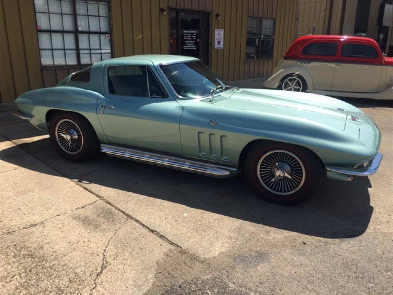 Large Picture of '66 Corvette - R1QE