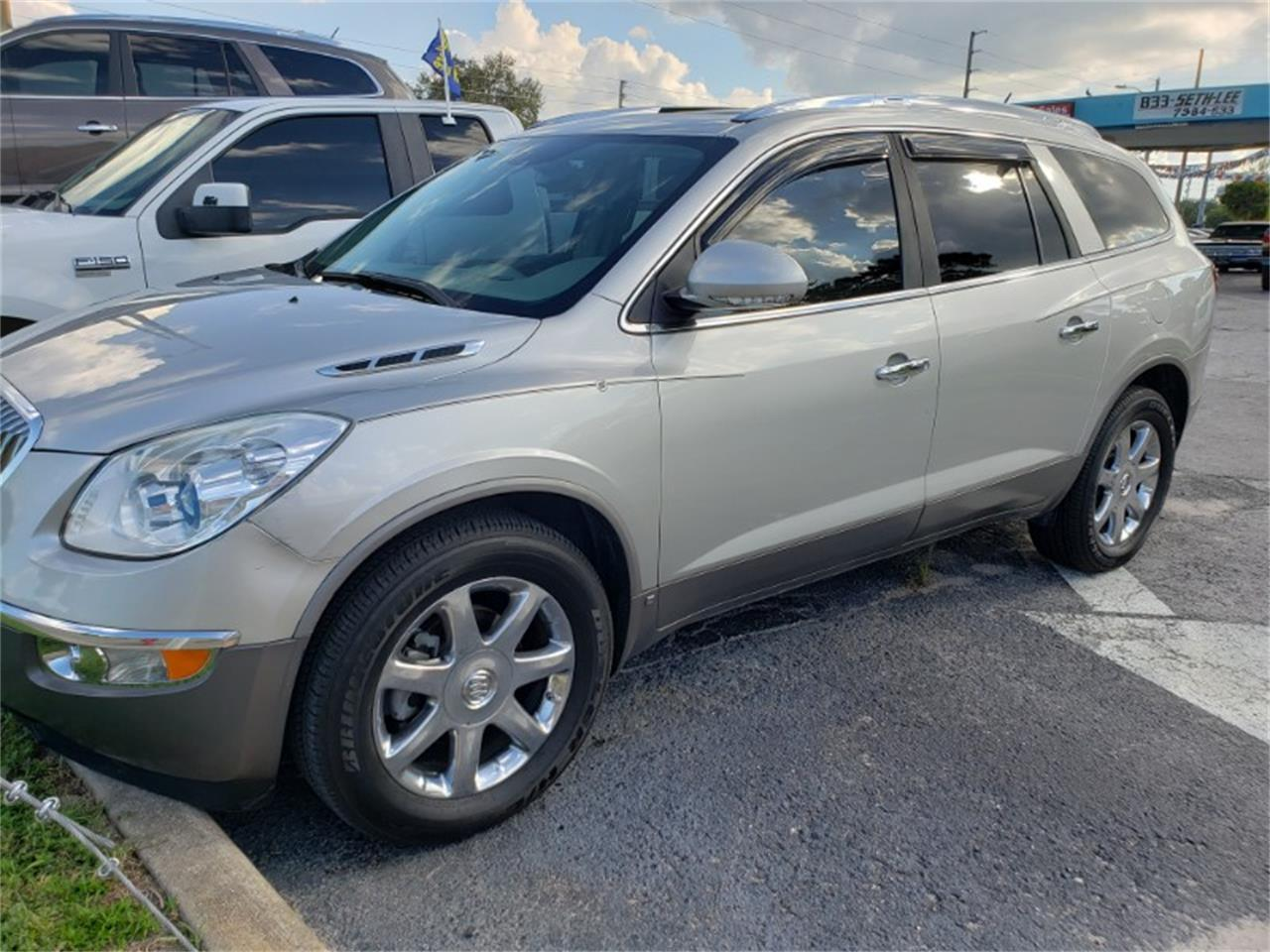 Large Picture of '08 Enclave - R1QK