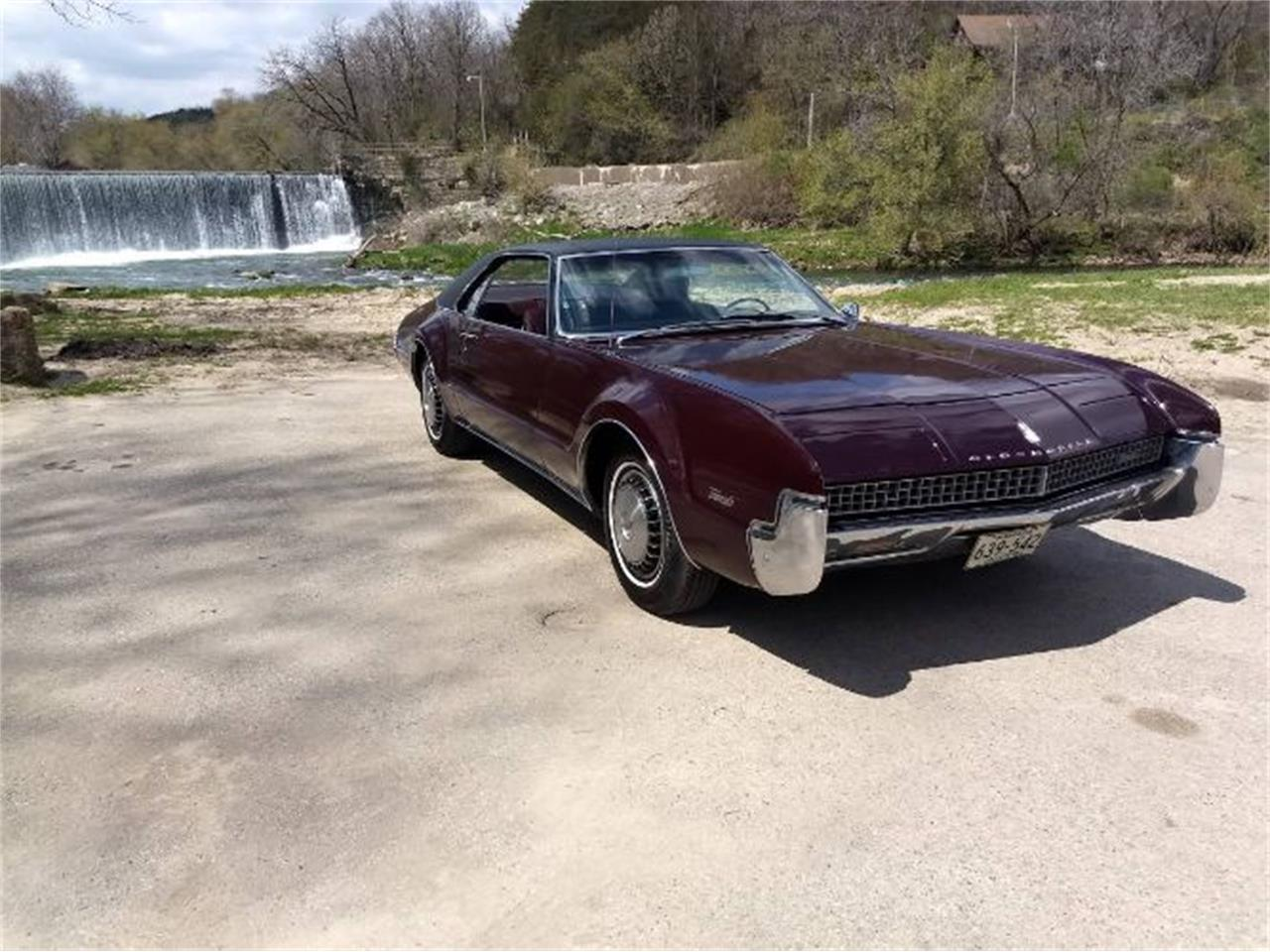 Large Picture of Classic '67 Oldsmobile Toronado located in Michigan - R0DJ