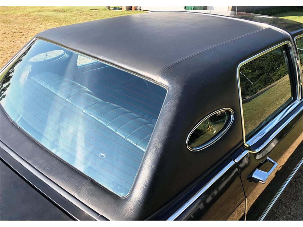 Large Picture of '78 Lincoln Town Car located in Kansas Auction Vehicle Offered by F & E Collector Auto Auctions - R1TZ