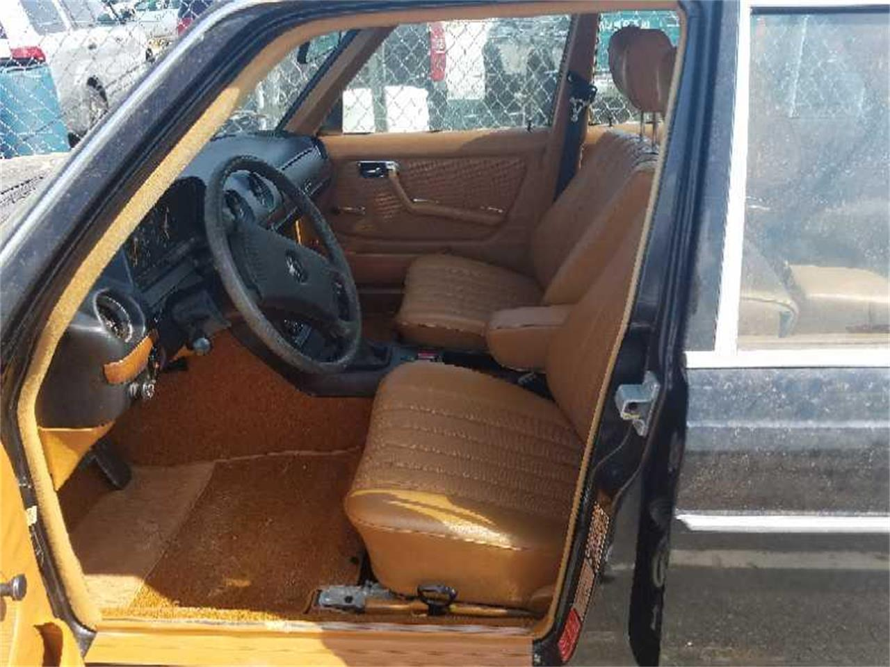 Large Picture of '79 240D located in Virginia Auction Vehicle - R1VI