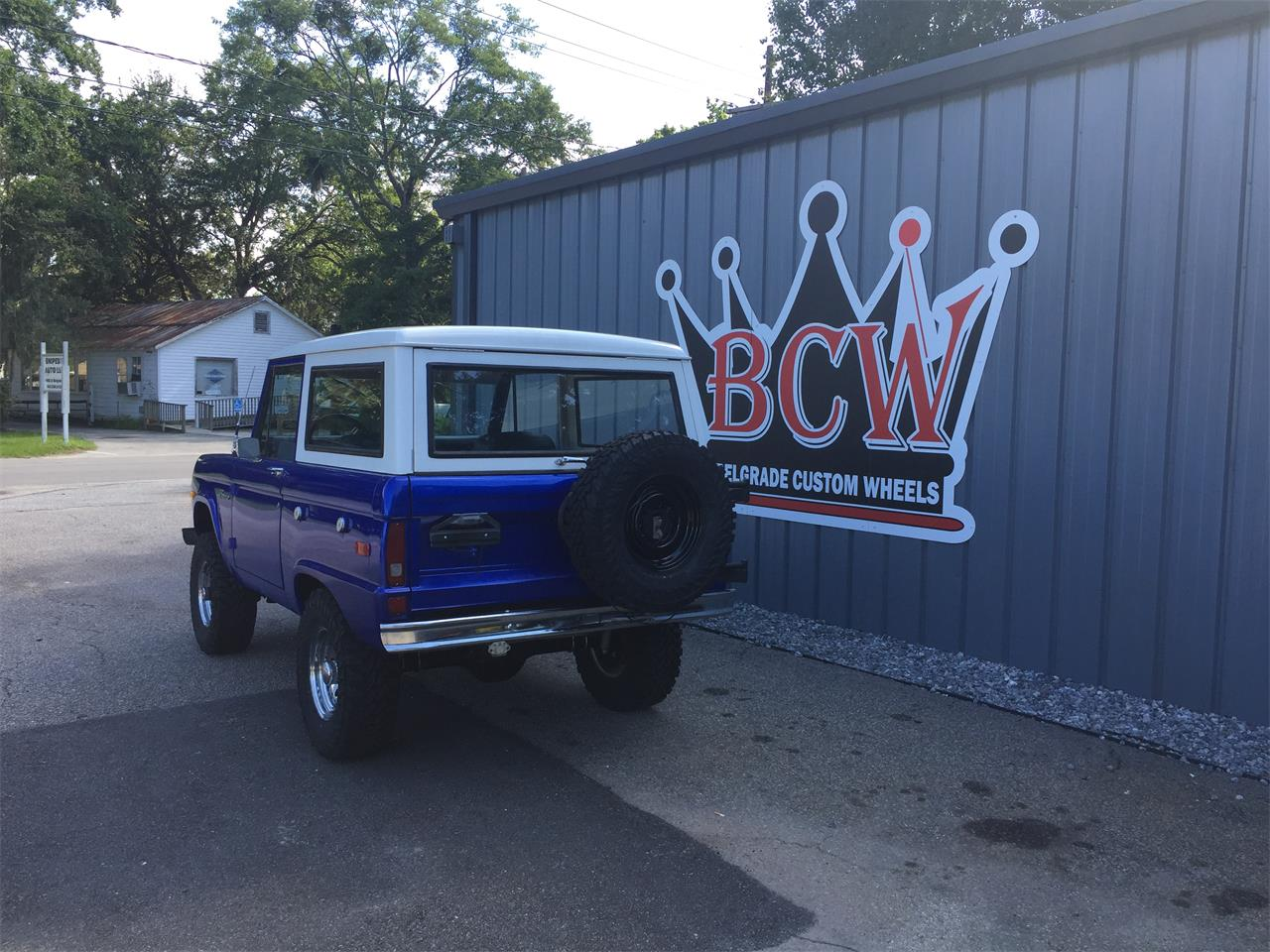Large Picture of 1976 Ford Bronco located in Charleston South Carolina - $34,900.00 - R1W8